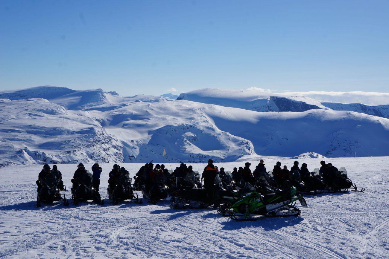 Snöskoter skoter riksgränsen